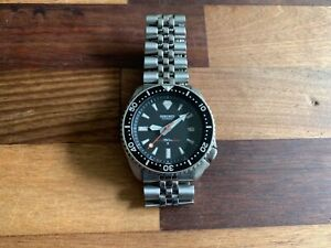 Seiko Diver's SKX Wristwatch for Men