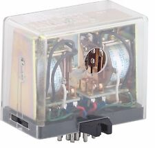 MKW33P OMRON FLIP-FLOP RELAY WITH TWO COILS 110 VAC + 20 POINT RELAY BASE PF202