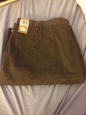 New Mens DOCKERS The Soft Khaki D3 Classic Fit Olive Green Flat Front Shorts 42W