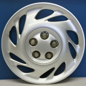 "ONE 2000-2001 Saturn L Series # 6013 15"" 10 Slot Hubcap Wheel Cover # 90576530"