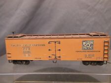 HO SCALE WOOD REEFER WESTERN PACIFIC PFE 52095