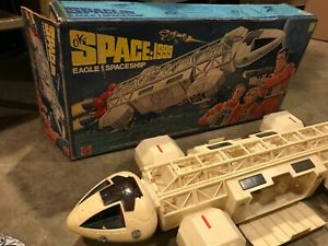 Mattel SPACE 1999 TV Show Vintage EAGLE 1 Space Craft Spaceship 1976 w/ Box