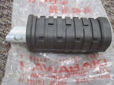 KAWASAKI NOS L/H RIDERS FOOTREST Z1 KH250 Z900 Z1000 H1 S1 S2 S3 Z650  34028-011