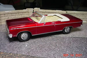 AMT 1965 Dodge Coronet 500 Convertible Candy Apple Red 1/25 Built UPRM1