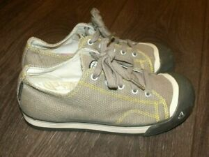 NWOB Keen cd 1210 Canvas Sneakers SIZE 3 LADIES Vulcanized Rubber