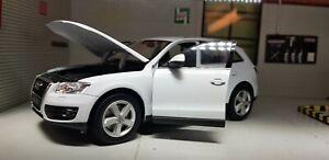 G LGB 1:24 Scala Bianco Audi Q5 4x4 2015 Welly Modellino Molto Dettagliato