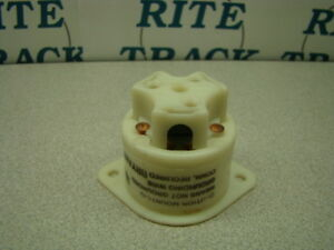 Bryant 15A Flanged Receptacle, L6-15, Nylon, QTY of 1