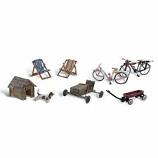 Painted Backyard Basics (OO/HO figures) Woodland Scenics A1931 free post