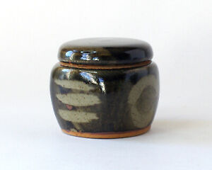 PETER DICK, WINCHCOMBE POTTERY - Squared Screw-Top Stoneware Jar/Box