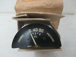 Mopar NOS 1949 Plymouth Deluxe Special Deluxe Oil Pressure Gauge 1302624