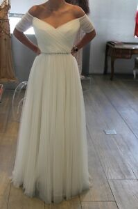White/Ivory Tulle Beach Wedding Dress Off The Shoulder Floor Length Bridal Gown