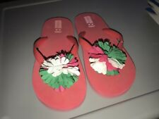 New listing Crazy 8 by Gymboree girls pink flower flip flops sandals shoes size 2 3