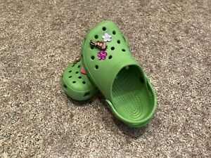 Crocs Girls Green Classic Clog size 10/11 with Jibbitz charms