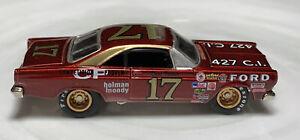 Johnny Lightning Stock Car Legends Ford Fairlane 1/64 Real Riders David Pearson