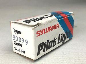 Sylvania 30099 Pilot Light Lamp Holder 125V 75W (Qty 1) NEW IN BOX