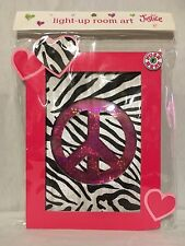 NEW JUSTICE GIRLS LIGHT-UP ROOM ART PEACE SYMBOL PINK WITH ZEBRA PRINT BACKING