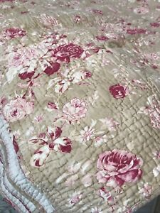 Pottery Barn Reversible Shabby Chic Quilt Full/Queen Size No Longer Available