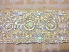 Applique in pizzo da sposa motivo floreale con filo da sposa