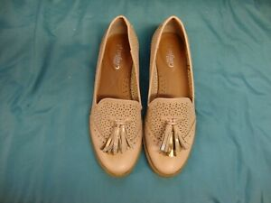 COMFORT SOLE PALE PINK LEATHER LOAFER SHOES SIZE 5 - SELLING FOR CHARITY