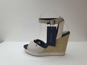 Sandalo Donna Tommy Hilfiger . Sconto - 50 % Art. FW5681681-  Col. Grigio