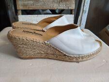 Neiman Marcus white Leather Slip-On Peep Toe Espadrille Wedges 40/9 Spain