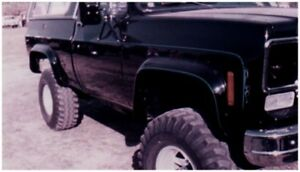 Bushwacker for 75-80 Chevy K10 Suburban Cutout Style Flares 2pc - Black - bus400