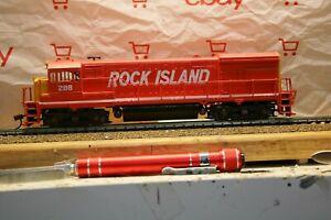 HO Scale ATHEARN BLUE BOX ROCK ISLAND U-33-B ROAD NUMBER 288 DCC/SOUND MRC 1715