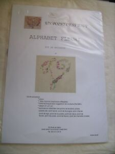 """Kit broderie Alphabet fleuri """"V"""" de marque Un Point C'est Tout 21 X 21 cm neuf"""