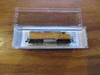 Z scale Union Pacific GP35 #753 Micro-Trains 981 01 020 w Free ship!