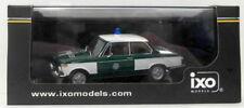 Véhicules miniatures blancs IXO BMW