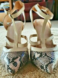 TARGET COLLECTION Womens cream Snakeskin shoes sz 8