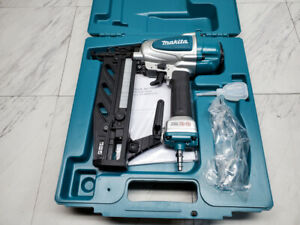 Makita AF601 16 Gauge Straight Pneumatic Finish Nailer NEW w/ Accessories & Case