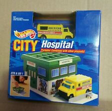 Hot Wheels 1991 Sto & Go City Hospital Play Set & Yellow Ambulances NEW