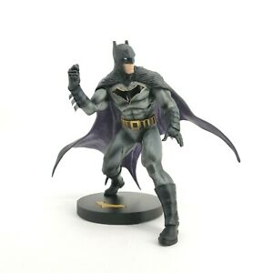 DC Collectibles Designer Series Batman Statue By Olivier Coipel: 540-DMG TZWD