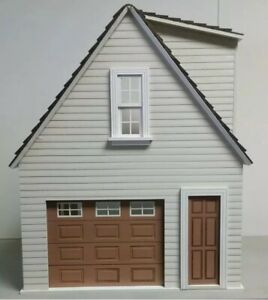 Garage Kit by Houseworks 9997 unfinished wood 1//12 scale dollhouse working door