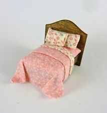 Dollhouse Miniature Artisan Quarter Scale 1:48 Bed in Pink