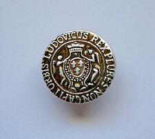 """Vintage Button Ludovicus Rex Plures Non Capit Orbis Antique Silver 1-1/8"""" 28mm"""