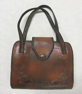 ARTS AND CRAFTS HAND MODELED LEATHER PURSE MADE BY BOSCA BUILT