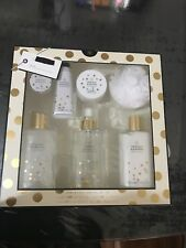 Boots A Little Something Glamorous Body Care Collection Rose Gift Set Travel Set
