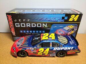 2006 Jeff Gordon #24 DuPont Hendrick Motorsports Chevy 1:24 NASCAR Action MIB