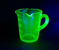 VINTAGE URANIUM GREEN GLASS 3 SPOUT MEASURING CUP