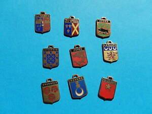 LOT 9 medailles  BLASONS EMAILLE SEDAN ROANNE AIX ROREZ VIVARAIS REUNION LARAGNE