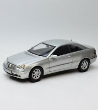 Kyosho Mercedes Benz CLK 240 A209 Sportcoupe in silber lackiert, 1:18, X008