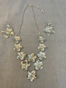 *PV Paola Valentini Italy Sterling Silver Flower Bib Necklace & Pierced Earrings
