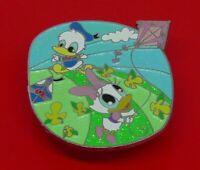 Used Disney Enamel Pin Badge 2008 Disneyland Hong Kong Duck Characters Kite