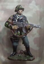 Del Prado King & Country WW2 German Panzer Grenadier Soldier Waffen SS 1/30