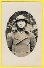 cpa Carte Photo MILITAIRE SOLDAT en UNIFORME Insigne Clairon Casque