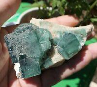 K381 232g FLUORINE CUBIQUE NATURELLE 93x50x48mm GEODE fluorite Minéraux PIERRE