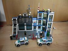 Lego City 7498 große Polizeistation mit Polizeiauto, Gefangenentransporter usw.