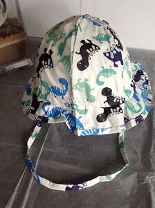 BN Licus Meek Era Toddler White/Dinosaur Print Sun Hat Flap/Chin Strap 2-3yrs